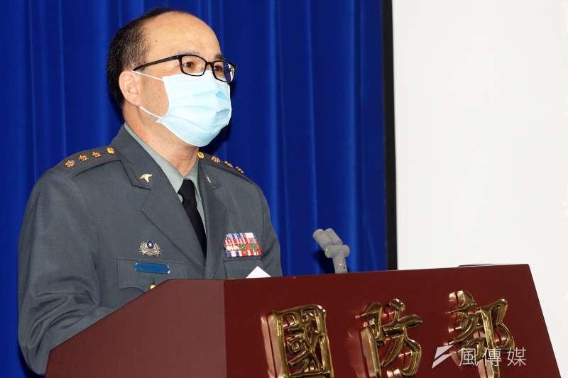 20200603-軍醫局藥政處長謝政智上校3日上午出席國防部例行記者會。(蘇仲泓攝)