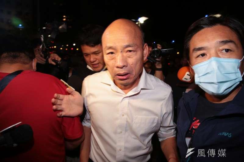 高雄市長韓國瑜(左)9日在臉書發布聲明,表示自己將不會針對罷免提出任何訴訟。(資料照,顏麟宇攝)。