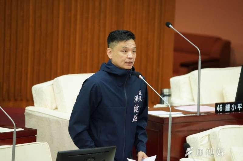 20200609-台北市議員洪健益9日出席市政總質詢。(盧逸峰攝)
