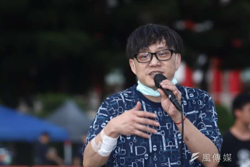 20200613-「抗爭未完,台港同行」反送中一週年晚會,香港知名作詞人林夕。(陳品佑攝)