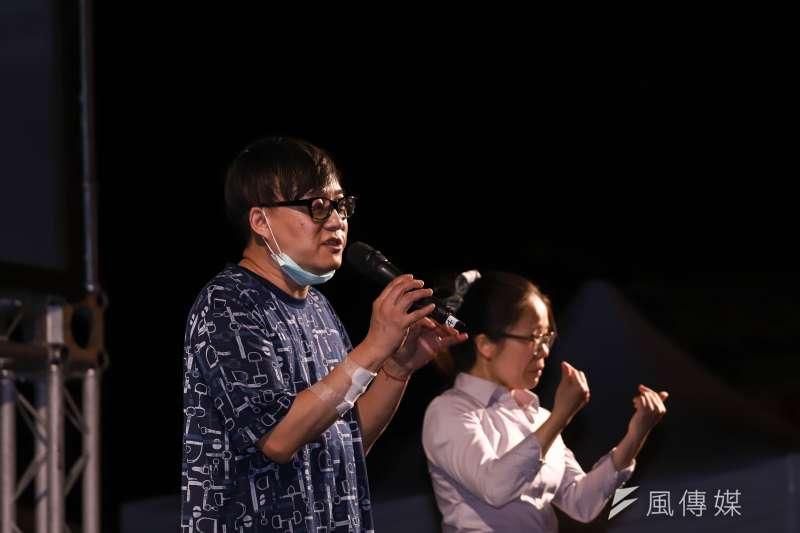 香港知名作詞人林夕暗酸「某黨」不要忽然之間跳出來,那麼的幫香港人好不好?(陳品佑攝)