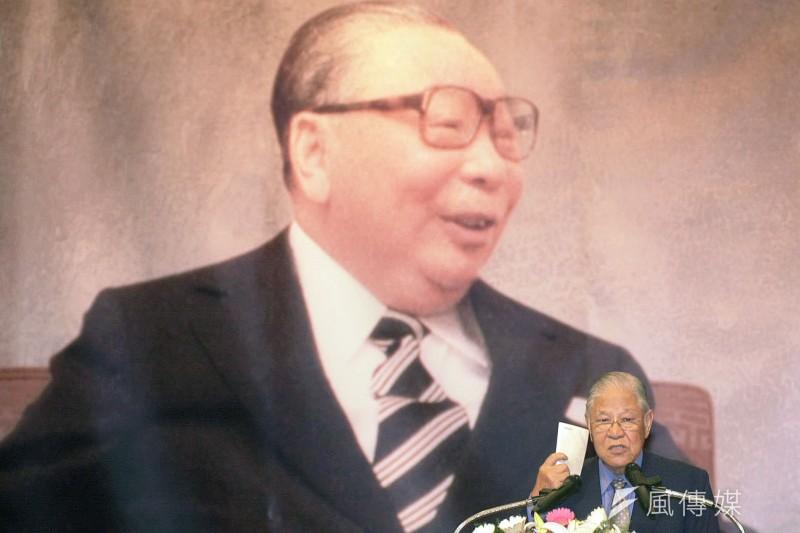 李登輝與蔣經國有一點極為不同,前者說「我是台灣人,我也是中國人」,後者說「我是中國人,我也是台灣人」。(新新聞資料照)