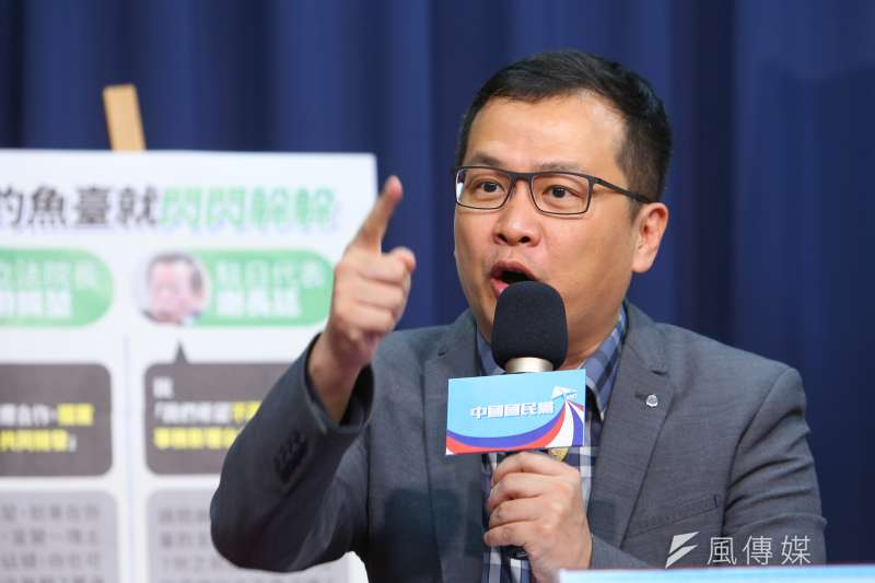 國民黨革實院長羅智強(見圖)在臉書發文,表示自己因拒絕贊助某「文化人」所提案子,遭到其發文謾罵。(資料照,顏麟宇攝)