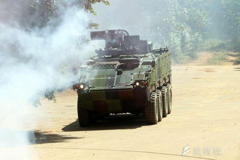 網傳陸軍雲豹八輪甲車在街道轉向困難的影片,陸軍16日對此做出回應。示意圖,非關新聞個案。(資料照,蘇仲泓攝)