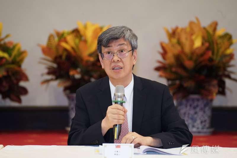 針對台灣防疫的未來走向,前副總統陳建仁今(31)日出席「新冠病毒政策對應研討會」時表示,在疫苗問世前,民眾可儲存一些口罩備用。(資料照,盧逸峰攝)