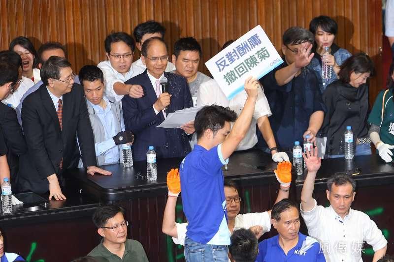 國民黨立委占領議場反對監察院長陳菊的人事案 。(顏麟宇攝)
