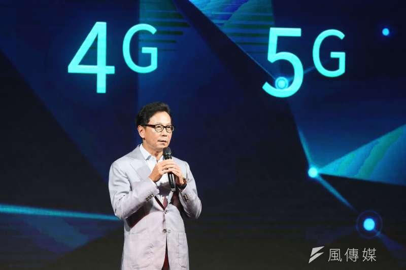 電信業者台灣大哥大舉行5G開台記者會,董事長蔡明忠在記者會上致詞。(柯承惠攝)