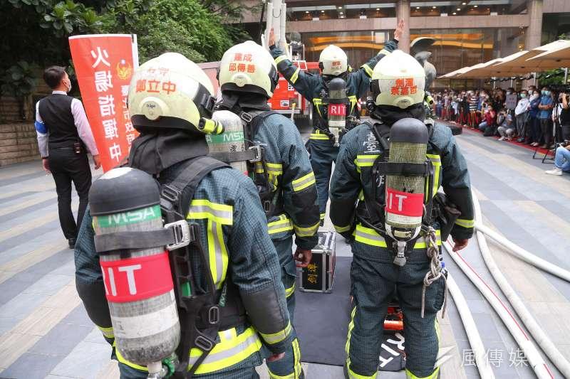 台北市內湖區康寧路一處私人養護所22日驚傳火警,現場救出3名年約80到90歲的男性,皆無呼吸心跳。示意圖,與新聞當事人無關。(資料照,顏麟宇攝)