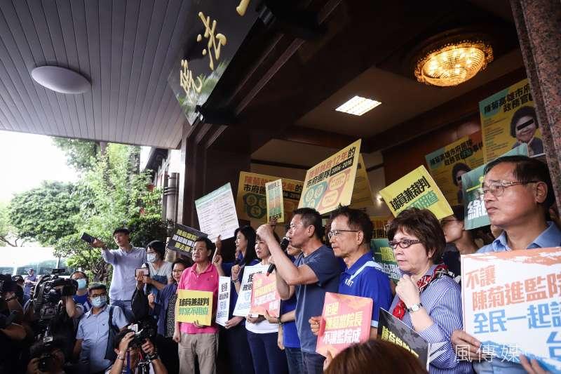 國民黨團原訂於立院大門口抗議監察院長被提名人陳菊,結果撲空。(陳品佑攝)