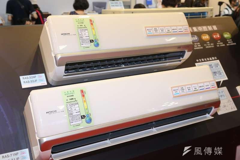 減稅紅包又來啦!買新電冰箱、冷暖氣機、除濕機最高可享退稅2千優惠。(資料照,示意圖/顏麟宇攝)