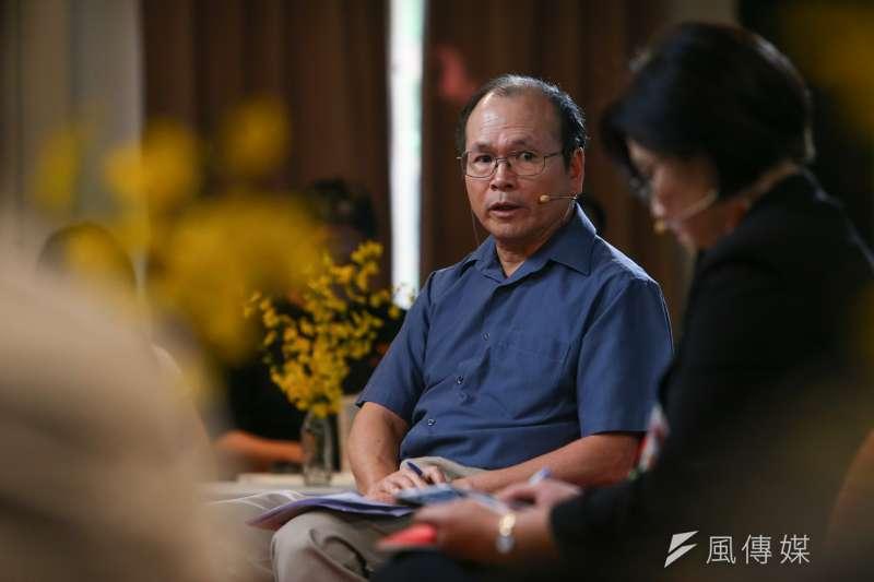 政大經濟系教授林祖嘉(見圖)4日出席思沙龍「美國的下一步? 全球化與反全球化的經濟大浪潮」座談。(顏麟宇攝)