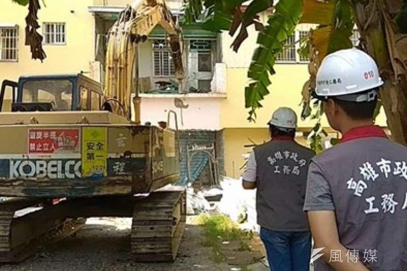 幸福川上游家戶進行強拆後巷違建並作污水接管,預計投入約6.16億元預算及完成21000戶接管。(圖/徐炳文攝)
