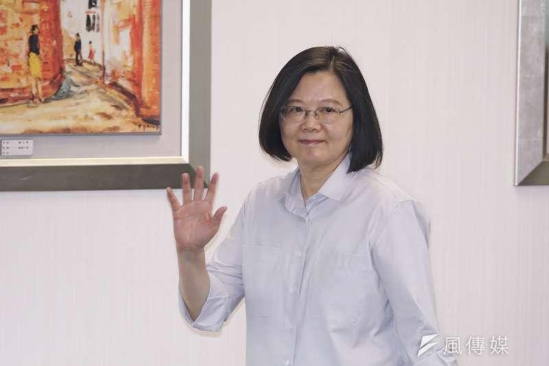 20200708-民進黨主席蔡英文8日出席民進黨中常會。(盧逸峰攝)