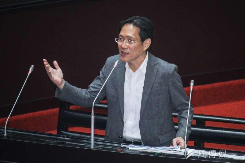 民眾黨立委張其祿表示,自己來自學界,很清楚許多教授希望被提名為考試委員,「真的太涼了,錢多事少離家近。」(蔡親傑攝)