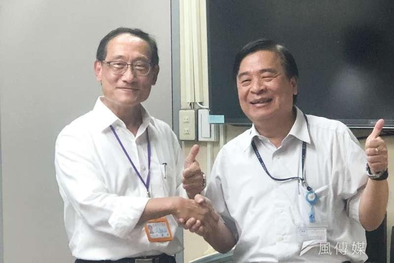 20200708-針對YouBike議題,新北市交通局長鍾鳴時(右)8日與北市交通局長陳學台(左)研商,並在會後出面受訪。(方炳超攝)