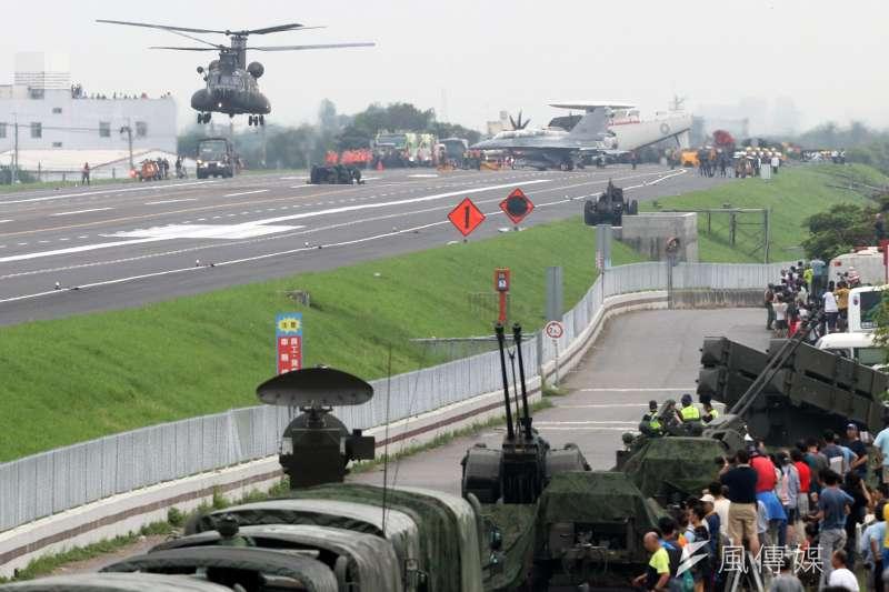 20200708-漢光35號演習去年在國道一號彰化戰備跑道登場。(資料照,蘇仲泓攝)