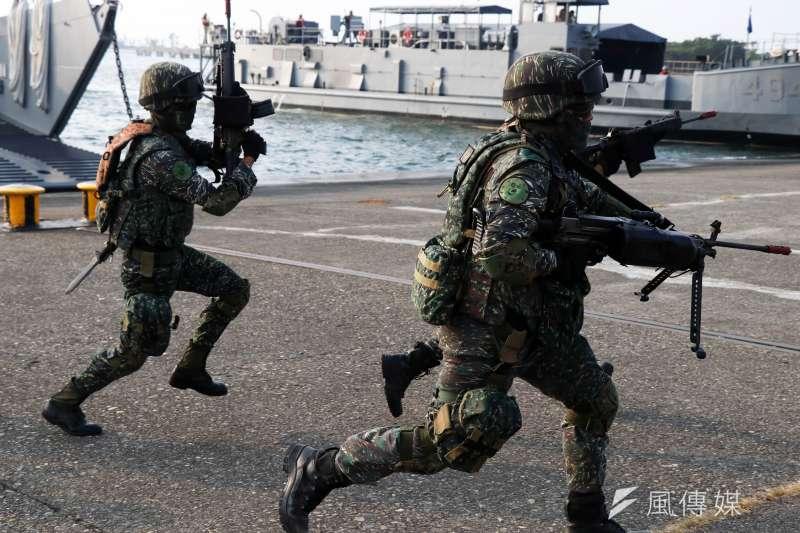 陸戰隊進行兩棲登陸作戰能力訓練。(資料照,蘇仲泓攝)