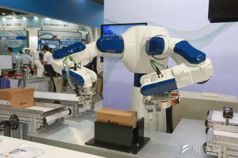日本5月核心機械訂單逆勢增長,專家預估未來3~6個月的機器人產業出貨動能將同步轉強。(柯承惠攝)