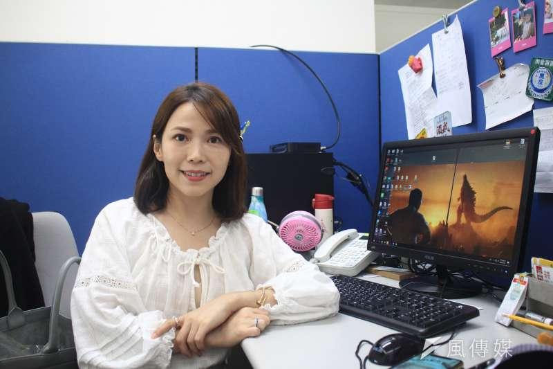 前知名主播陳智菡(見圖),今年4月起出任台北市政府主任研究員,接掌台北市長柯文哲的社群團隊。(方炳超攝)