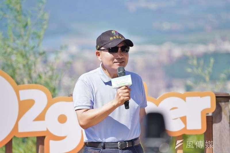 台北市長柯文哲昨抱怨六都列席行政院院會因疫情暫停,新北市長侯友宜今表示贊同,並強調樂於和行政院並肩作戰。(盧逸峰攝)