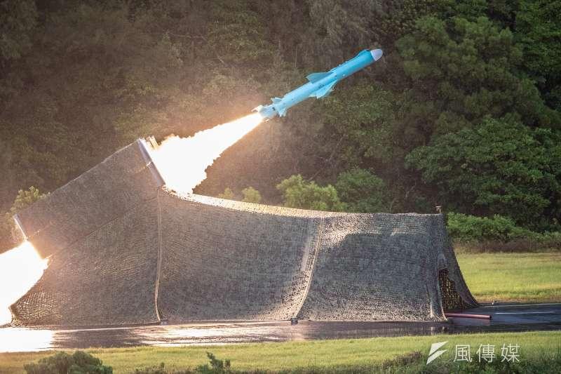 國軍漢光36號演習實兵演練15天日執行「濱海決勝」階段,實施精準彈藥實彈演習,圖為雄風二型反艦飛彈。(國防部提供)