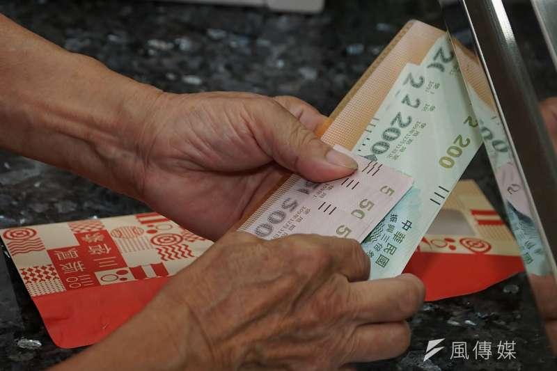 前高雄市新聞局長王淺秋認為,要讓三倍券造成報復性消費是有點「異想天開」。(資料照,盧逸峰攝)