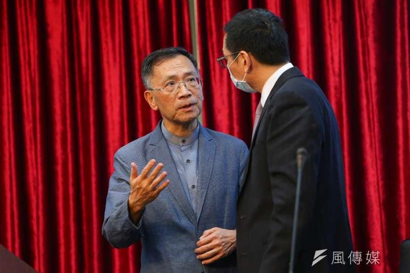 台北市副市長蔡炳坤(左)傳出與民眾黨同志不合、和副市長黃珊珊角力、甚至市府轄下督導的局處也對其不滿,傳聞不斷。(資料照,顏麟宇攝)