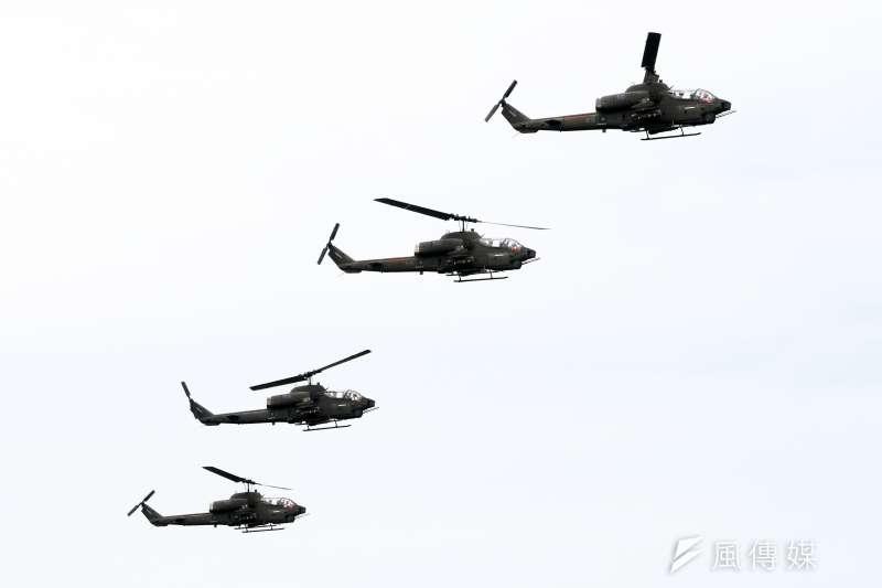 20200716-台中甲南海灘16日進行「聯合反登陸作戰操演」,圖為AH-1W攻擊直升機。(蘇仲泓攝)
