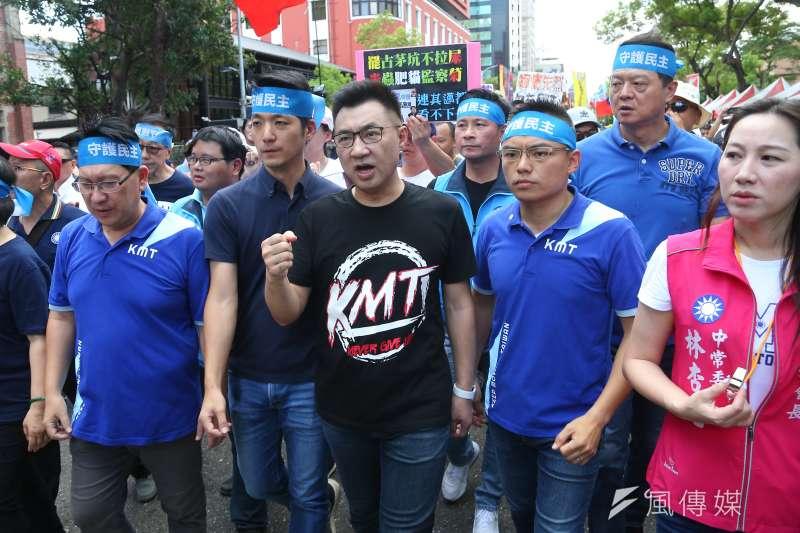 國民黨主席江啟臣(中)的路線,在國民黨內進退失據。(顏麟宇攝)