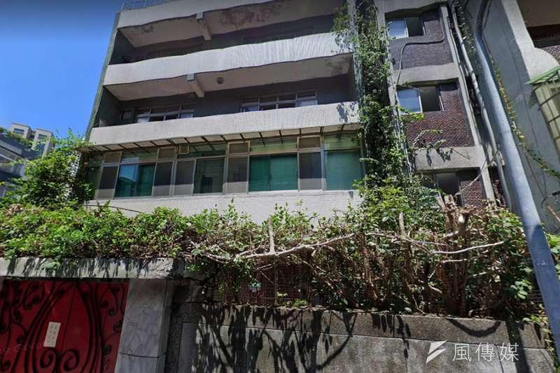 昨(17)日遭到法拍的公寓屋齡已屆45年,目前無人居住。。(圖/富比士地產王提供)