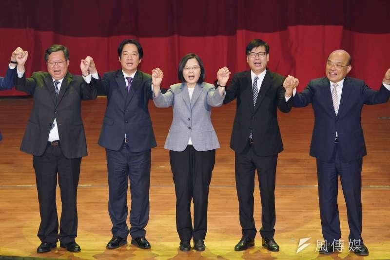 總統蔡英文將於26日南下為高雄市長候選人陳其邁(右二)造勢。(盧逸峰攝)