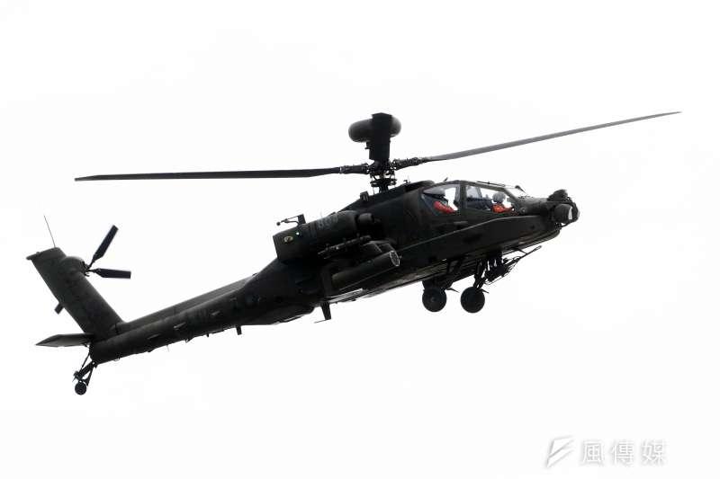 陸軍航空特戰指揮部計畫將AH-64E「守護者」阿帕契攻擊直升機等機種移訓至台東豐年機場,卻受到不分藍綠的強烈反彈。(蘇仲泓攝)