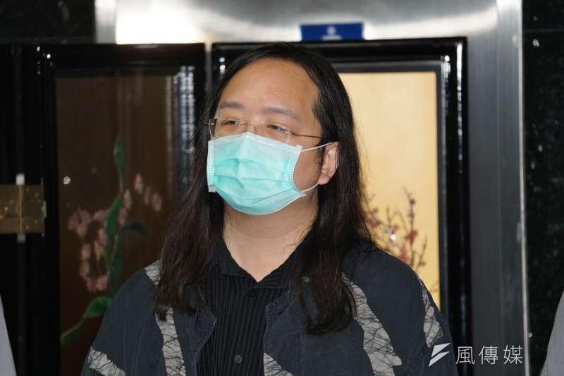 20200721-中華郵政21日舉行防疫郵票發行典禮,政委唐鳳出席。(盧逸峰攝)