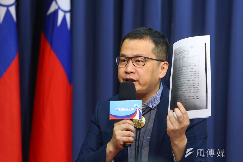 國民黨革實院長羅智強說,記者會的內容都是引述外交部電文上的資料,如果蘇嘉全與蘇震清覺得委屈,就去請外交部公布電文。(顏麟宇攝)