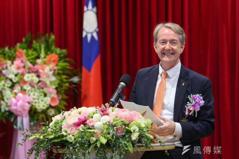 2020年7月23日,荷蘭駐台代表紀維德獲頒經濟專業獎章。(顏麟宇攝)