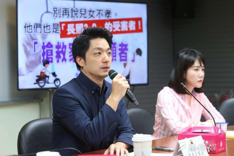國民黨台北市議員徐巧芯認為,立委蔣萬安(左)相當適合參選台北市長。(資料照,顏麟宇攝)