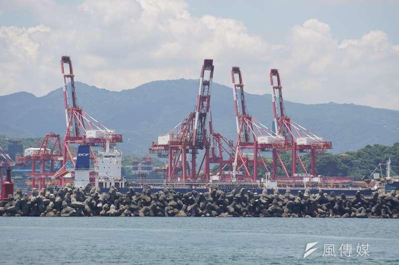 台灣港務公司12日表示,國內目前有53個硝酸銨貨櫃,包含基隆港11個、台中港28個及高雄港14個。示意圖,與新聞個案無關。(資料照,盧逸峰攝)