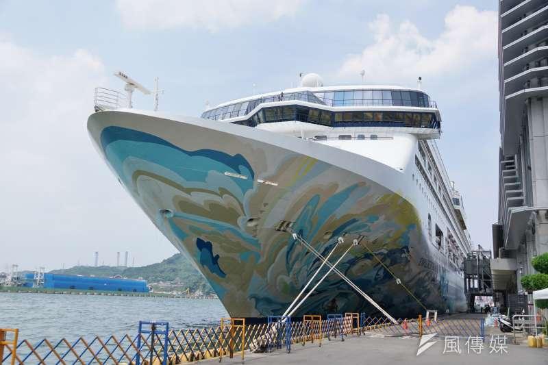 20200726-國際郵輪探索夢號停靠於基隆港。(盧逸峰攝)