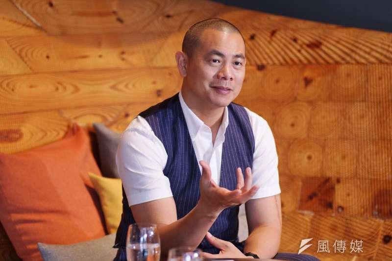 20200728-國際名廚江振誠接受《風傳媒》專訪。(盧逸峰攝)