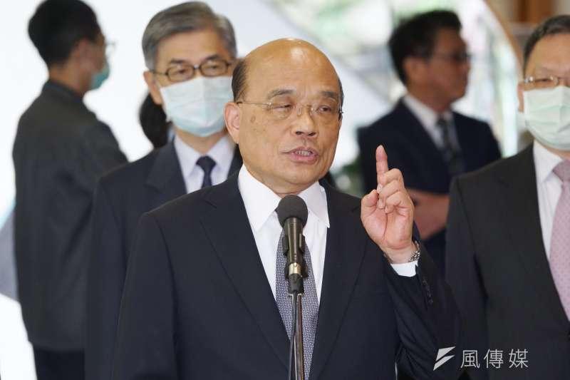 行政院長蘇貞昌引三國孫吳抗戰批評前總統馬英九,並再次強調「一把掃帚」也要抗中的決心。(盧逸峰攝)