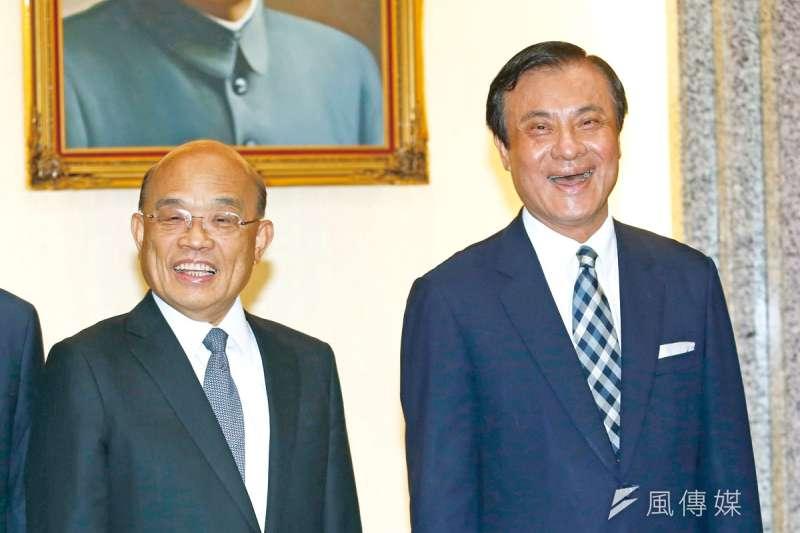 蘇嘉全(右)想接蘇貞昌(左)的閣揆之位,希望看來很渺茫。(郭晉瑋攝)