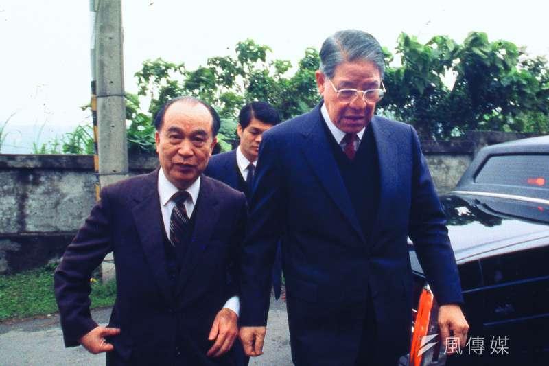 李登輝(右)1990年提名李元簇(左)為副手,因黨內大老不認同而引爆「二月政爭」。(林瑞慶攝)