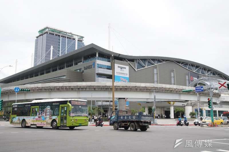 20200730-南港展覽館一館外觀一景。(盧逸峰攝)