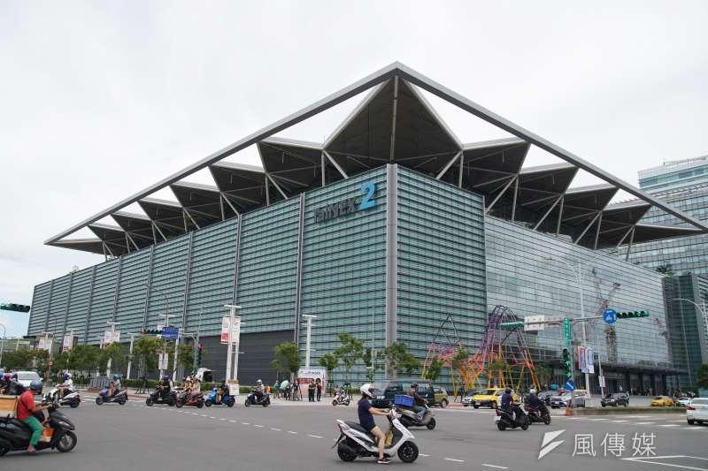 20200730-南港展覽館二館外觀一景。(盧逸峰攝)