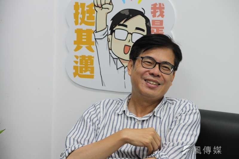 高雄市長補選倒數,民進黨候選人陳其邁接受《風傳媒》專訪時表示,身為一個高雄人,不是長在高雄,而是選輸後,再次回來就是重生的過程。(黃信維攝)
