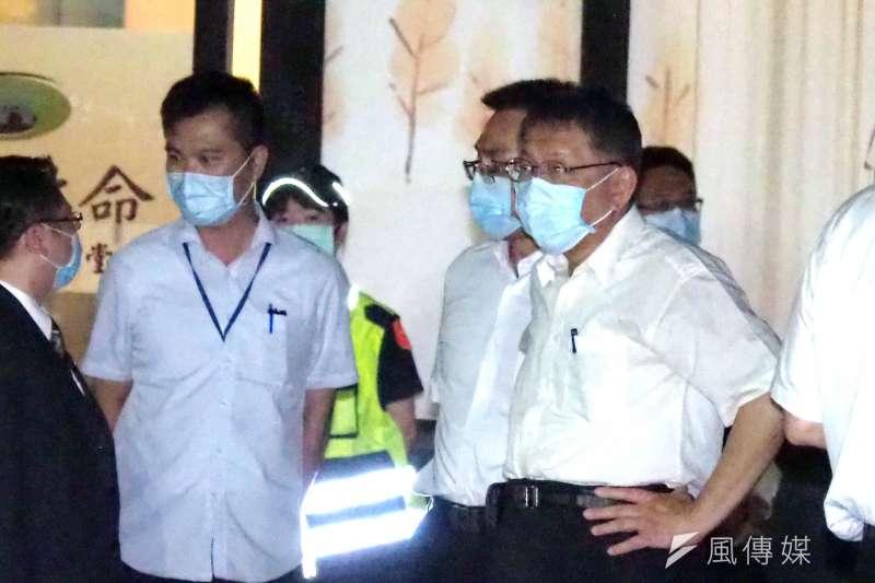 前總統李登輝30日晚間逝世,台北市長柯文哲前往弔唁。(林瑞慶攝)