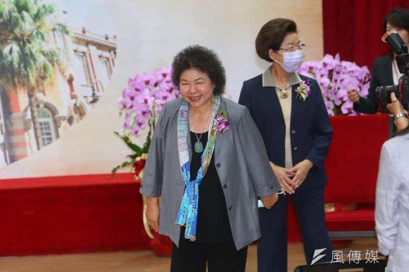 監察院長陳菊(左)上任後任用5位機要,皆曾在高雄市政府任職,引發爭議。(資料照,顏麟宇攝)