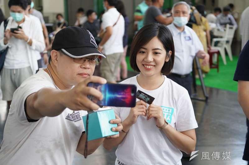 20200802-民眾黨2日舉行黨員大會,台北市府副發言人黃瀞瑩出席。(盧逸峰攝)