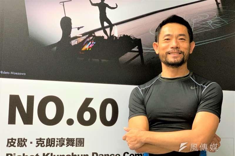 學習傳統舞蹈出身的泰國當代舞蹈家皮歇(Pichet Klunchun)(簡恒宇攝)