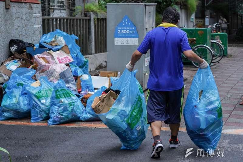 20200804-「人生萬事屋」專題,所募集來的清潔人員面對的工作案子,五花八門。(蔡親傑攝)